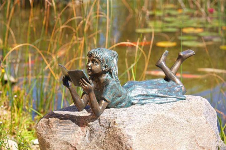 Bronzefigur Mädchen Lara die Leseratte L73cm   Bronze Gartenfigur von Rottenecker