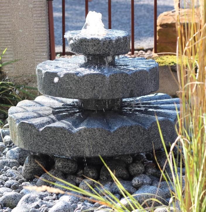 Wasserspiel SET Quellstein Zichi 42cm Granit anthrazit Gartenbrunnen