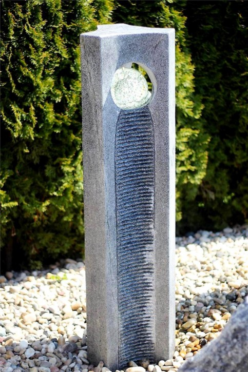 Wasserspiel SET Quellstein Joy 120cm Granit Gartenbrunnen mit dreh. Glaskugel
