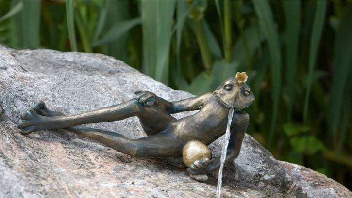 Bronzefigur Froschkönig Detlef L34   Bronze Wasserspeier Rottenecker