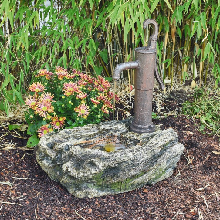 Wasserspiel Ligno mit Schwengelpumpe 57cm Polystone Brunnen inkl. Pumpe und LED
