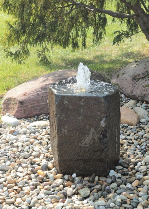 Quellstein Basalt 50cm mit Quellschale Gartenbrunnen Springbrunnen Komplettset