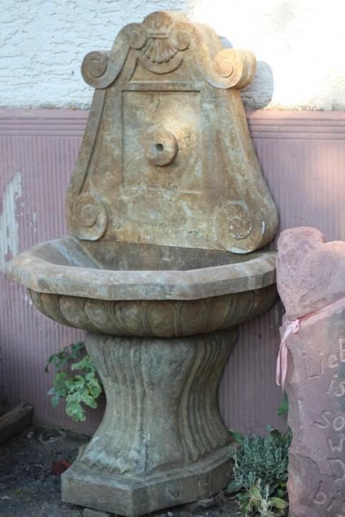 Wandbrunnen Marmor antik | Garten Brunnen | Zapfstelle | Zierbrunnen auf Bestellung
