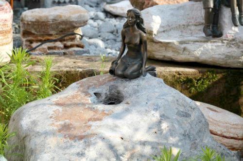 Wasserspiel SET Quellstein Ozeanfindling L80cm Gartenbrunnen mit Bronzefigur