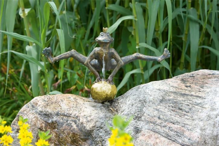 Bronzefigur Froschkönig Dietmar 29 | Bronze Wasserspeier von Rottenecker