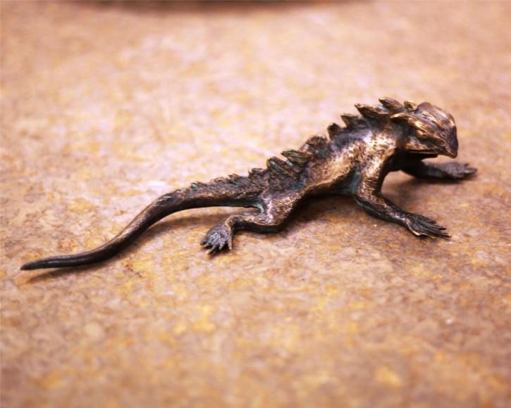 Bronzefigur Gecko L18cm | Gartenfigur Bronze Skulptur Rottenecker
