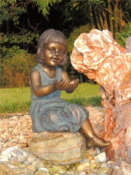 Gartenfigur Mädchen Emma 38cm Polystone Teichfigur
