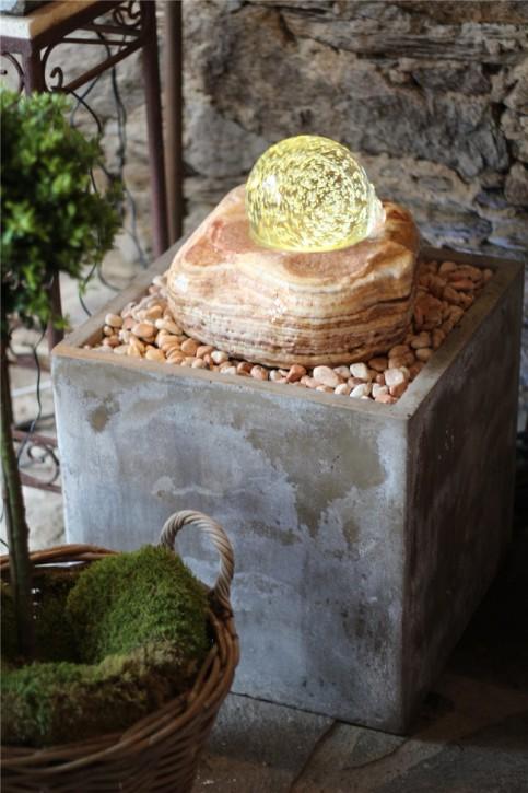 Zimmerbrunnen Onyx | Echtsteinbrunnen mit dreh. Kugel und LED-Beleuchtung